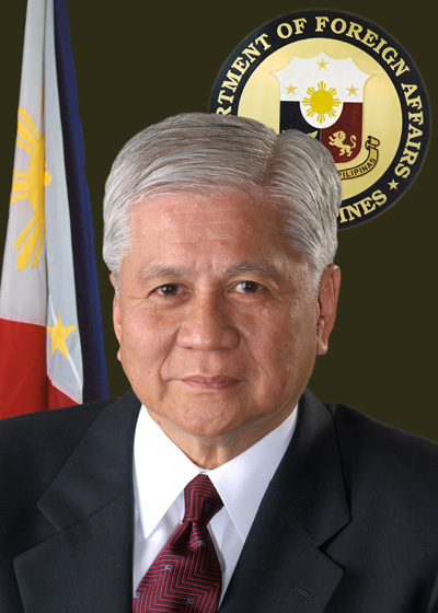 Sec. Albert del Rosario official photo